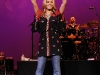jessica-simpson-performs-at-5th-annual-ninas-night-out-benefit-concert-in-las-vegas-01