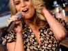 jessica-simpson-performs-at-cbs-the-early-show-in-new-york-city-08