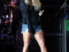 jessica-simpson-performs-at-cricket-wireless-amphitheatre-03
