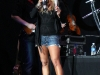 jessica-simpson-performs-at-cricket-wireless-amphitheatre-04