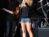 jessica-simpson-performs-at-cricket-wireless-amphitheatre-06