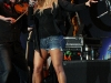jessica-simpson-performs-at-cricket-wireless-amphitheatre-09