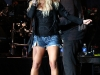 jessica-simpson-performs-at-cricket-wireless-amphitheatre-10
