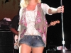 jessica-simpson-performs-at-sea-world-in-san-antonio-03