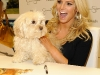 jessica-simpson-signs-autographs-at-dillards-stonebriar-centre-01