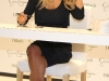 jessica-simpson-signs-autographs-at-dillards-stonebriar-centre-04