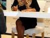 jessica-simpson-signs-autographs-at-dillards-stonebriar-centre-05