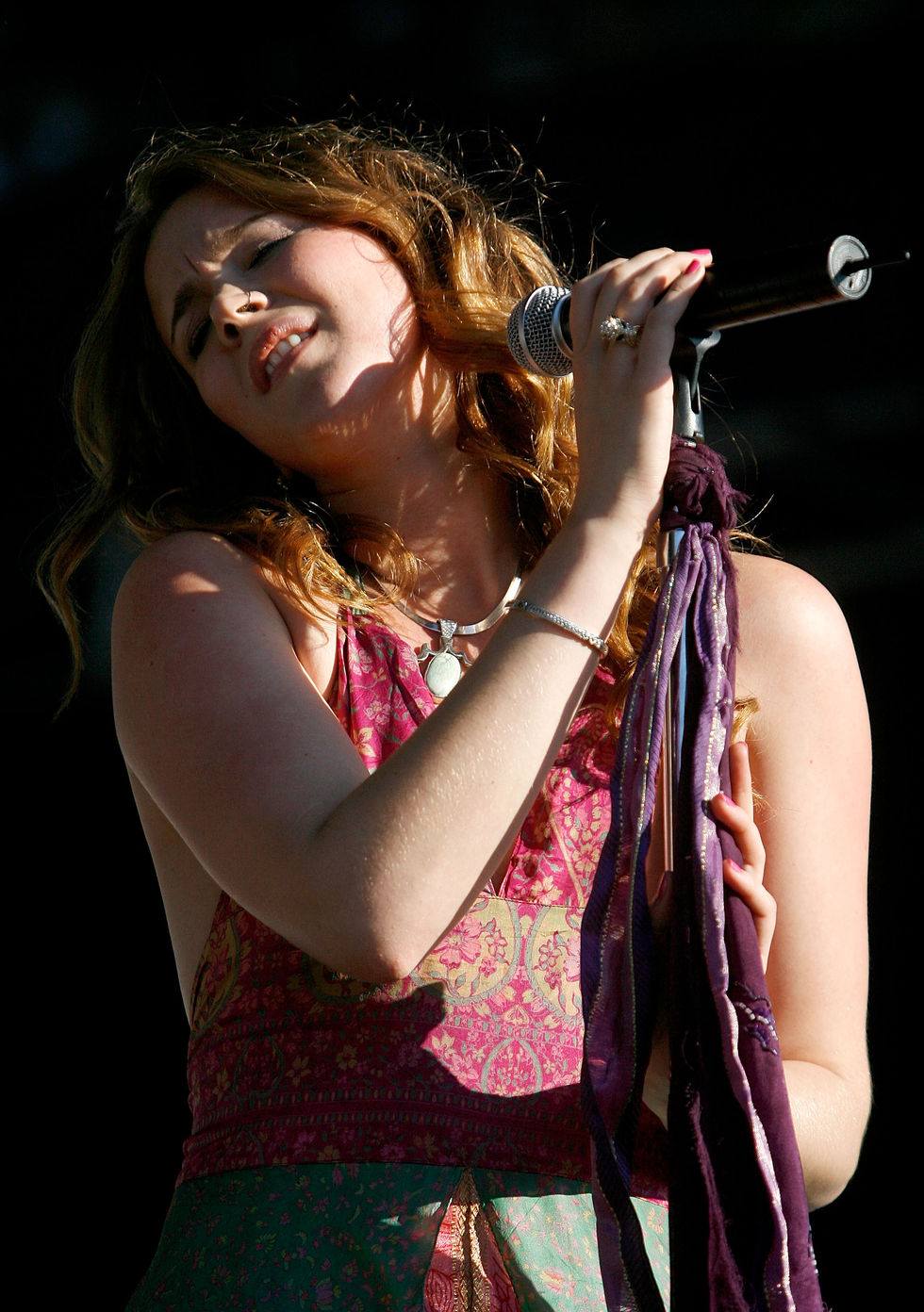 joss-stone-2008-voodoo-experience-at-city-park-in-new-orleans-02