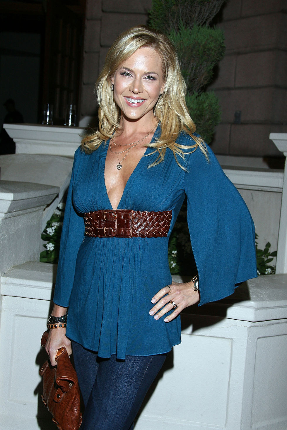 julie-benz-halloween-on-horror-nights-opening-night-in-universal-city-01