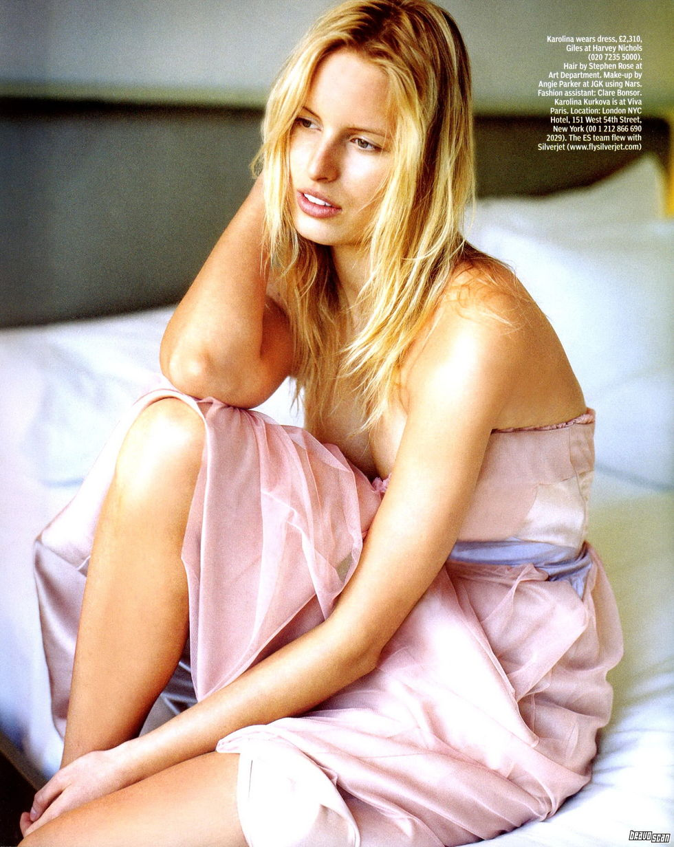 karolina-kurkova-es-magazine-april-2008-03