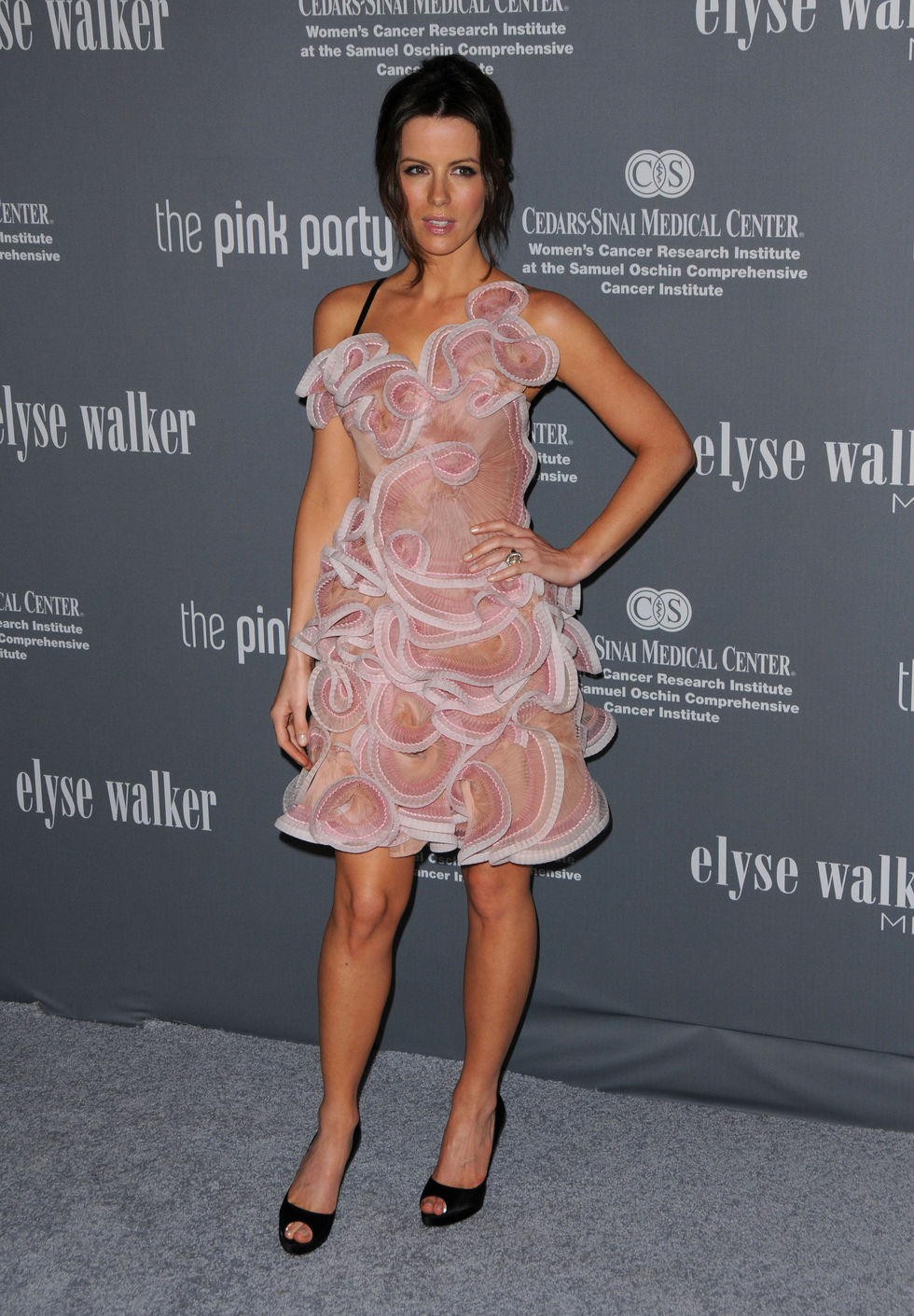 kate-beckinsale-4th-annual-pink-party-in-santa-monica-01