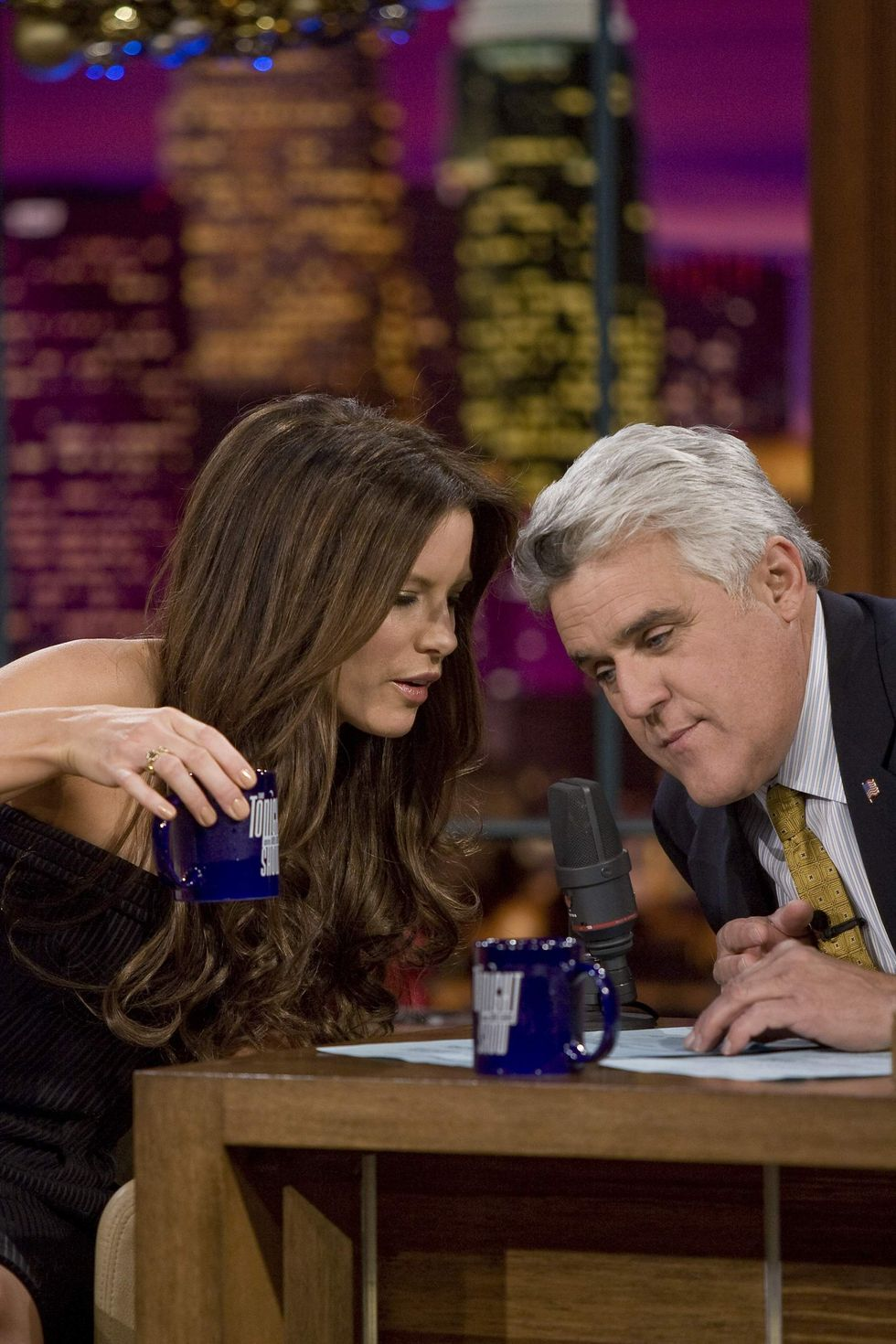 kate-beckinsale-at-the-the-tonight-show-with-jay-leno-in-los-angeles-01
