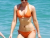kate-beckinsale-bikini-candids-on-the-beach-in-mexico-05