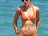 kate-beckinsale-bikini-candids-on-the-beach-in-mexico-12