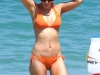 kate-beckinsale-bikini-candids-on-the-beach-in-mexico-14