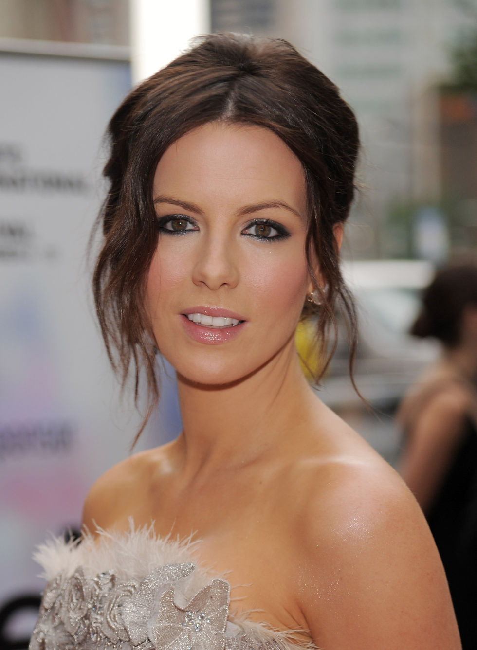 kate-beckinsale-nothing-but-the-truth-premiere-in-toronto-01