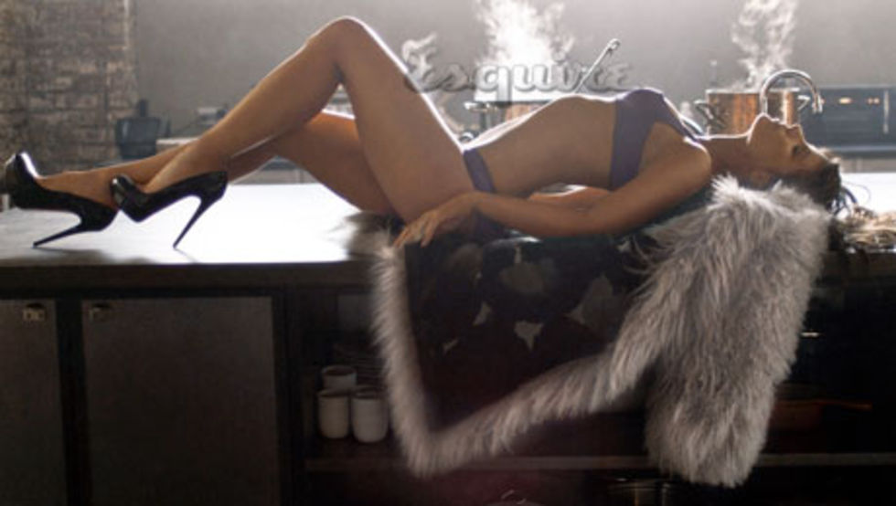 kate-beckinsale-sexiest-woman-alive-esquire-magazine-01