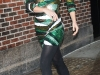 kate-hudson-arrives-at-the-late-show-with-david-letterman-in-new-york-11
