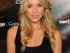 katrina-bowden-verizons-droid-launch-in-new-york-04