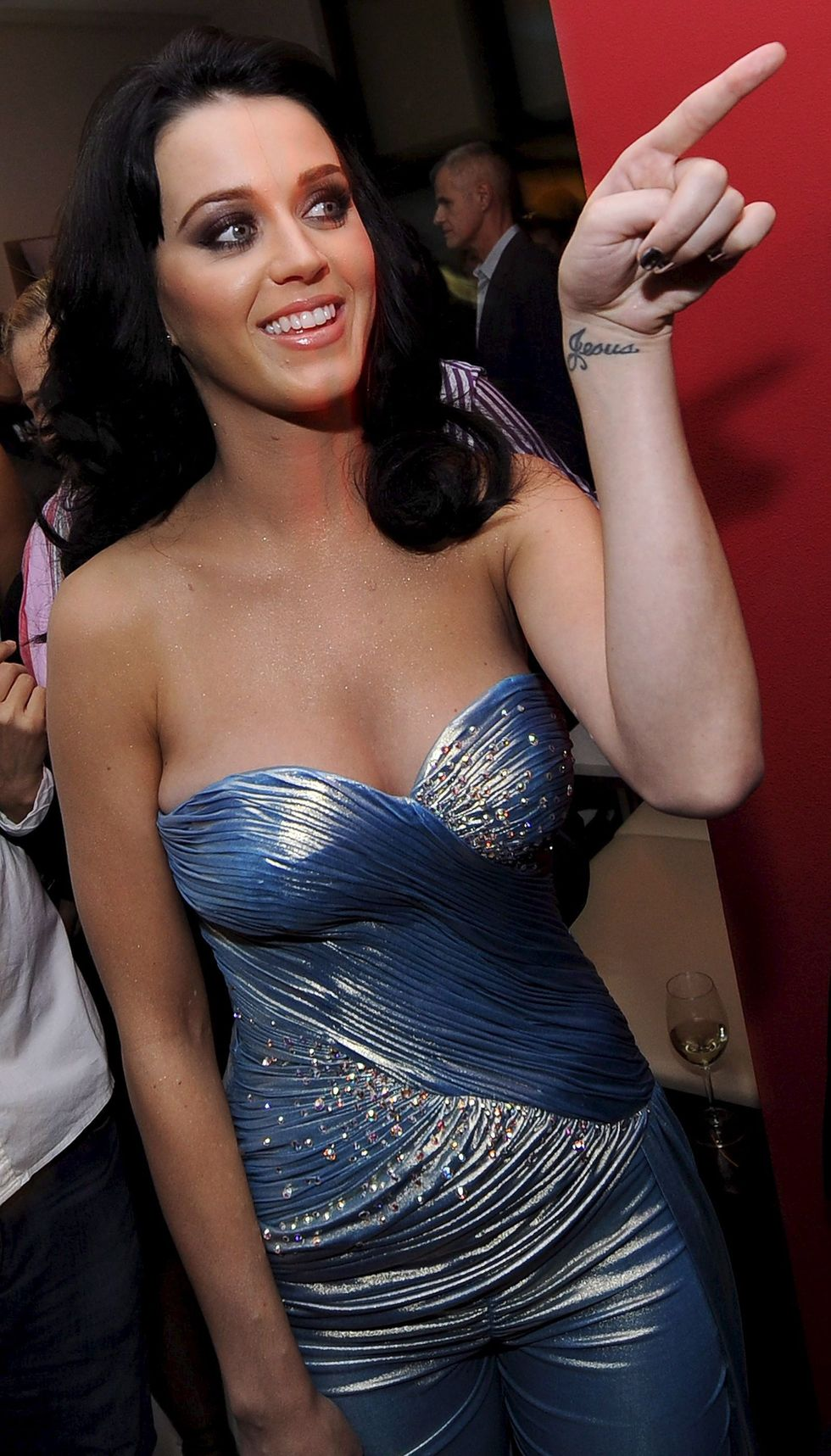 katy-perry-2009-life-ball-cocktail-party-in-vienna-01