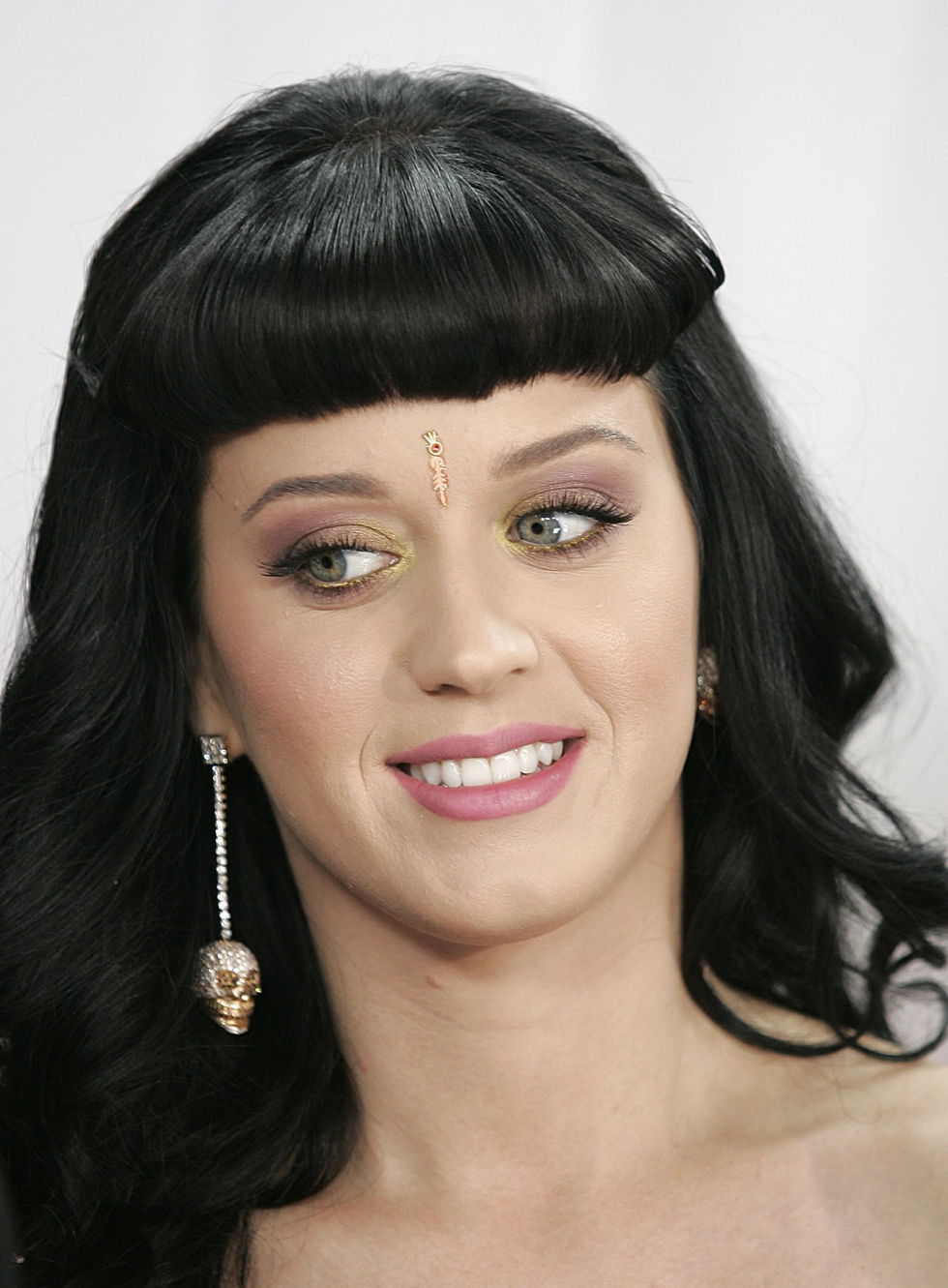 katy-perry-52nd-annual-grammy-awards-in-los-angeles-01