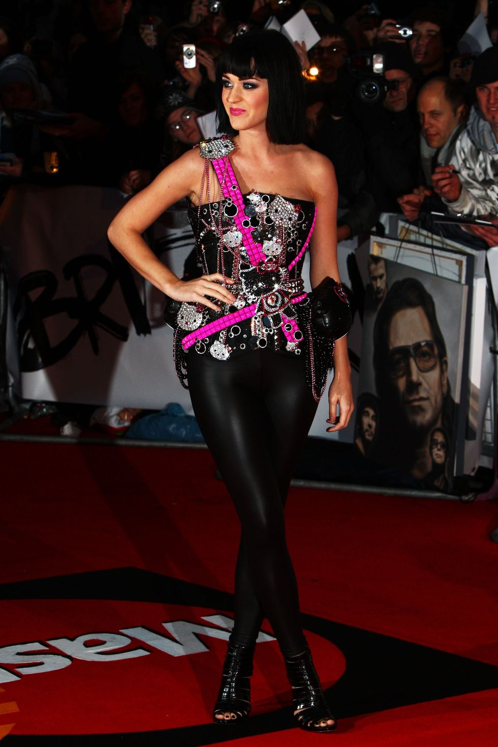 katy-perry-brit-awards-2009-in-london-01