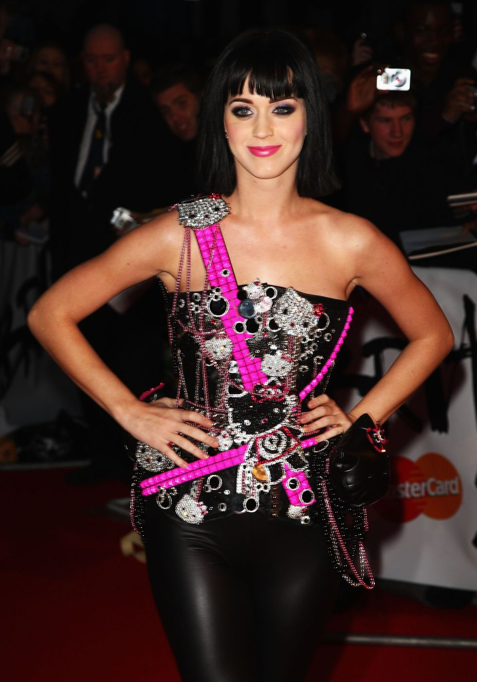 katy-perry-brit-awards-2009-in-london-13