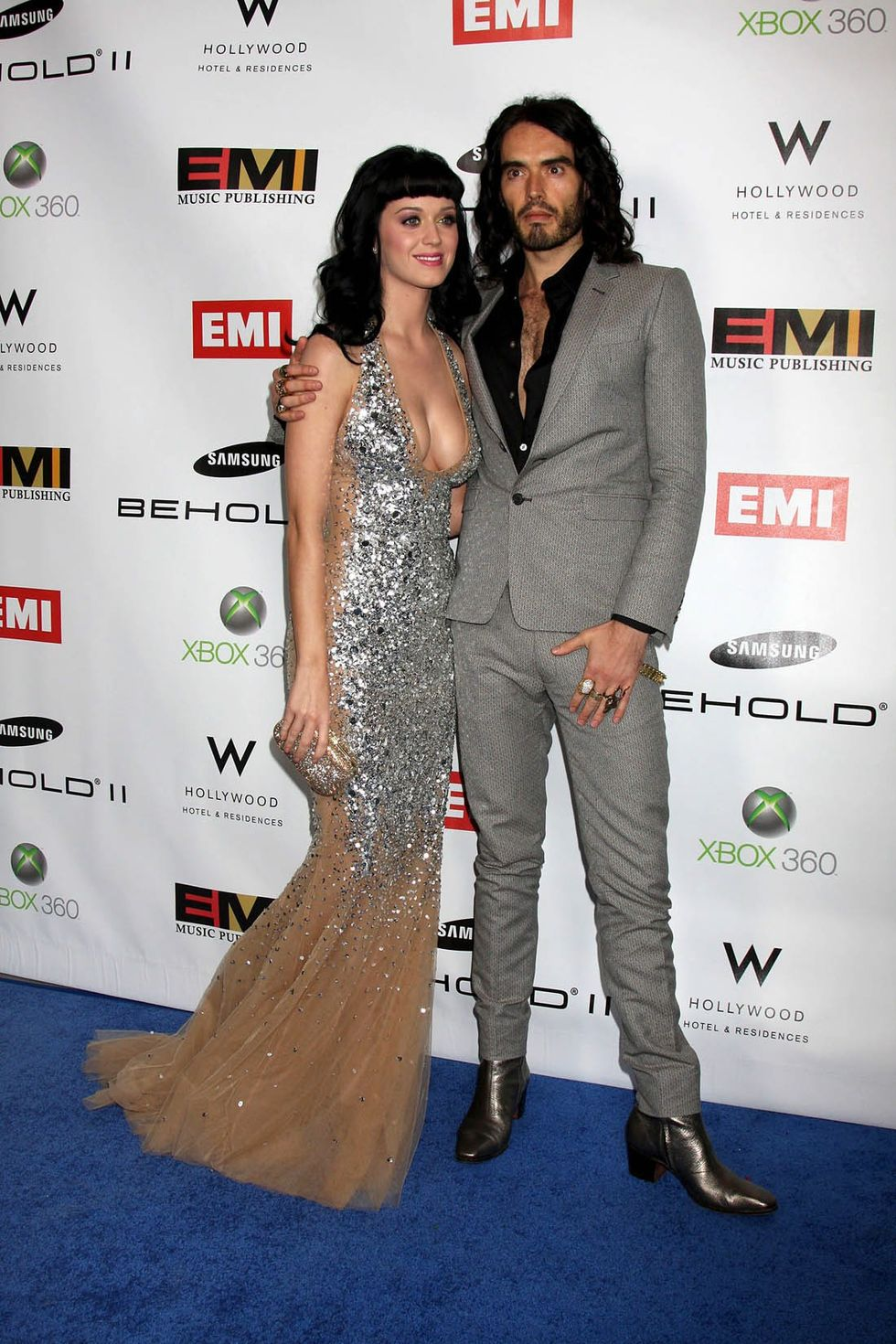 katy-perry-cleavagy-at-emi-grammy-after-party-01