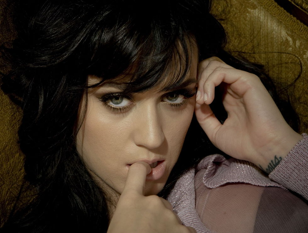 Katy Perry desmiente fotos porno