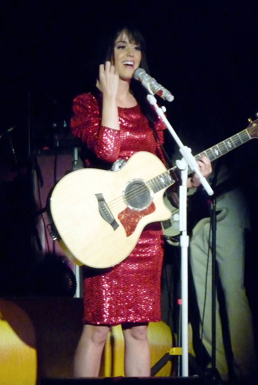 katy-perry-performing-in-fort-lauderdale-01