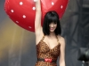 katy-perry-performs-at-the-main-square-festival-in-arras-01