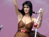 katy-perry-performs-at-the-main-square-festival-in-arras-05