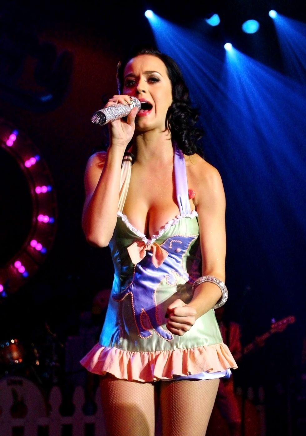 katy-perry-performs-at-the-tivoli-in-brisbane-01
