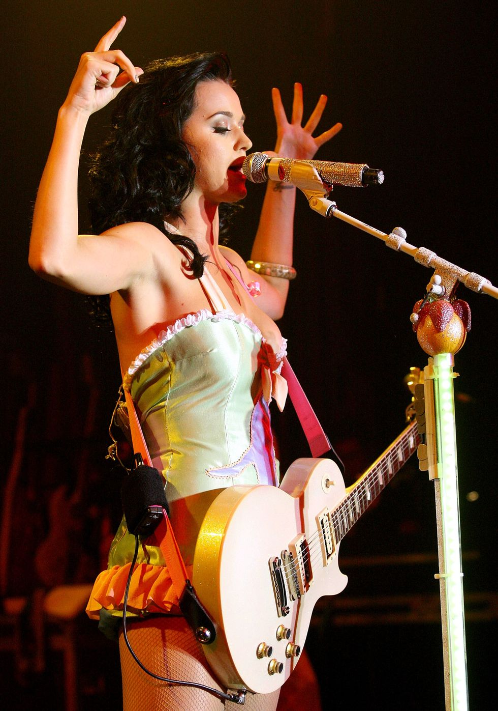 katy-perry-performs-at-the-tivoli-in-brisbane-02