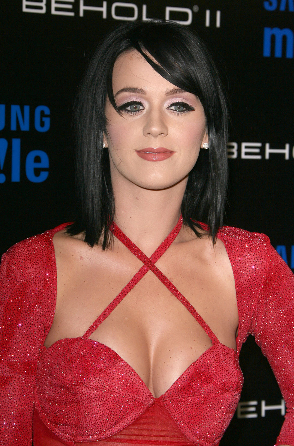 katy-perry-the-samsung-behold-ii-premiere-launch-event-01