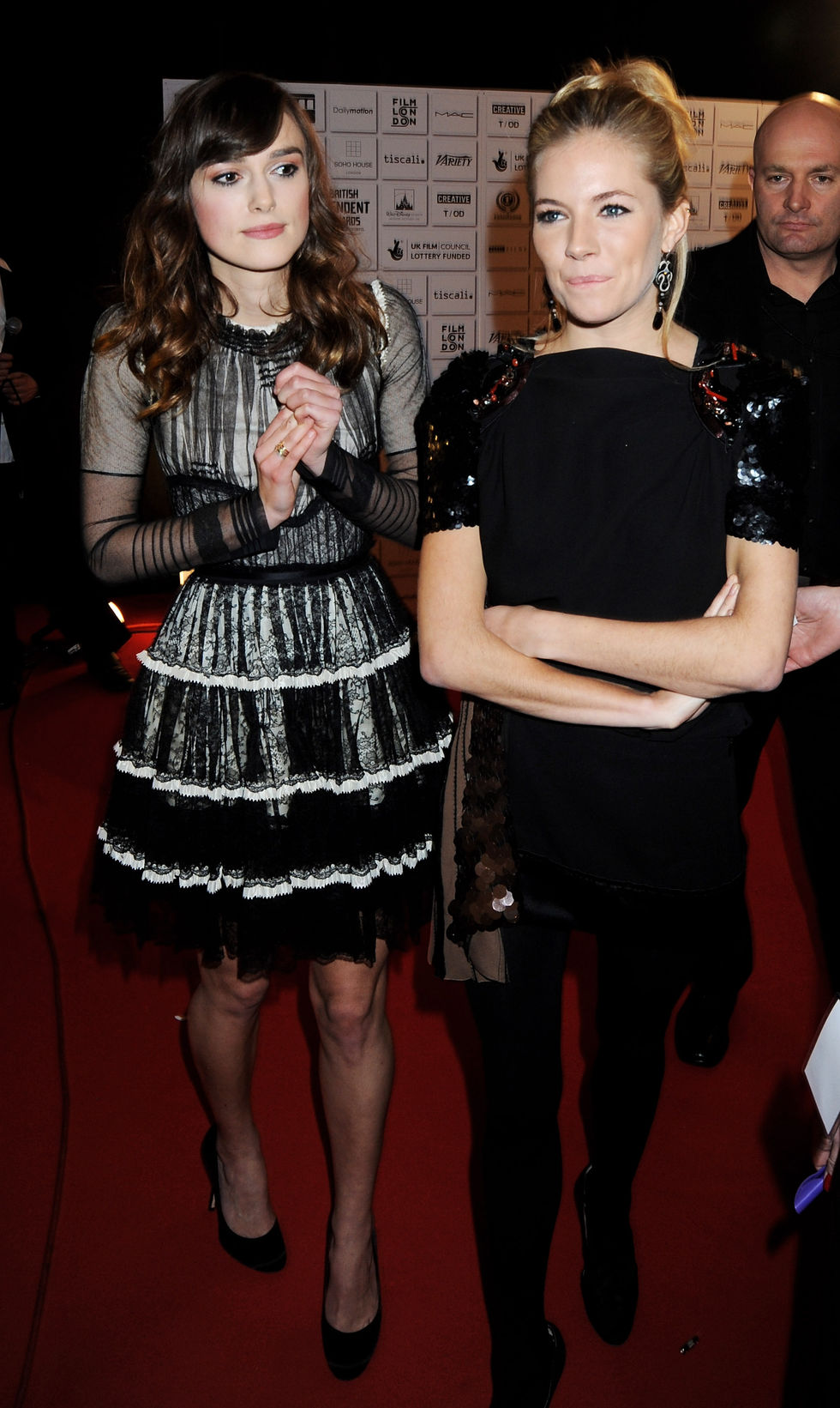 keira-knightley-and-sienna-miller-british-independent-film-awards-2008-in-london-01