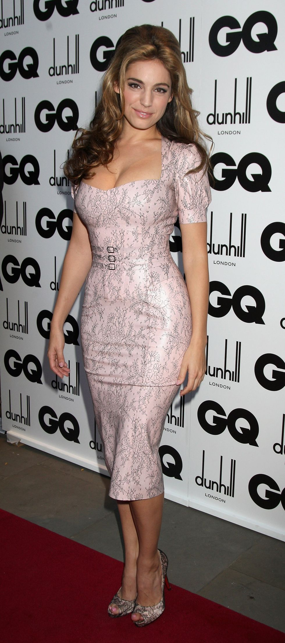 kelly-brook-2009-gq-men-of-the-year-awards-in-london-02