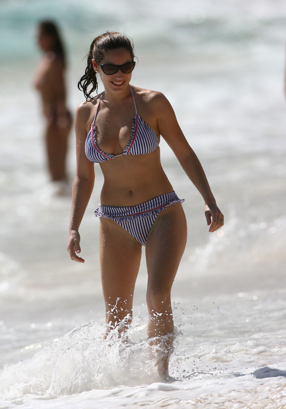 kelly-brook-bikini-candids-in-st-barth-01