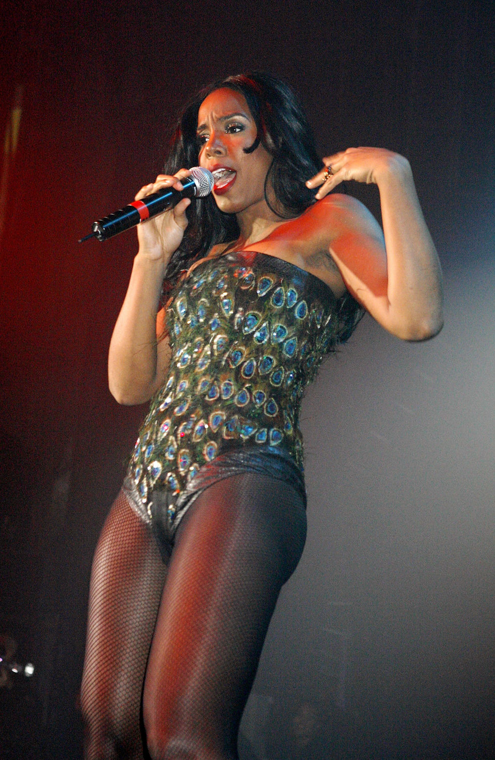 kelly-rowland-performs-on-stage-at-g-a-y-astoria-club-in-london-07