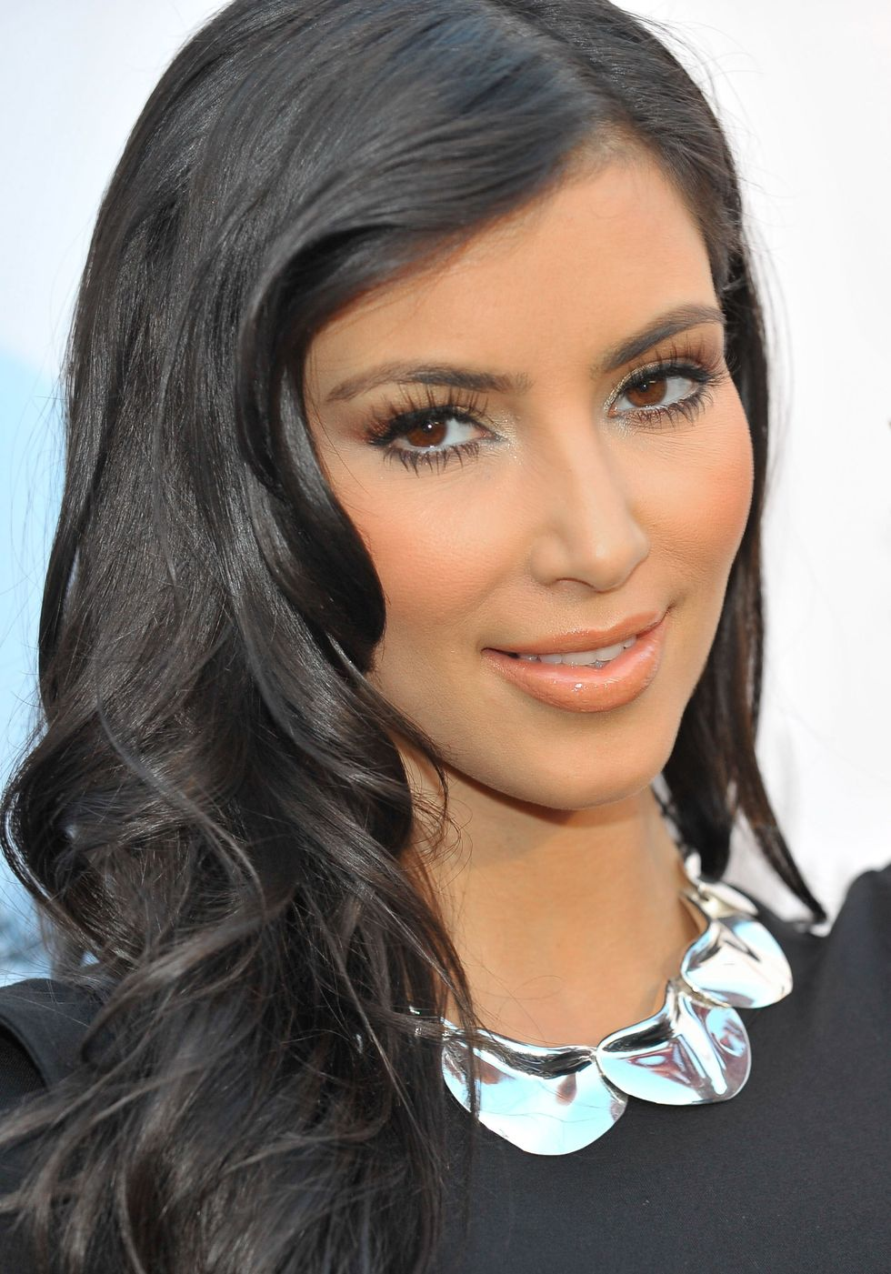 kim-kardashian-aces-angels-celebrity-poker-party-in-beverly-hills-01