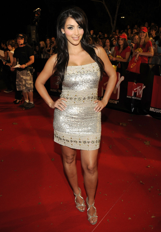 kim-kardashian-and-mischa-barton-mtv-australia-awards-2008-01