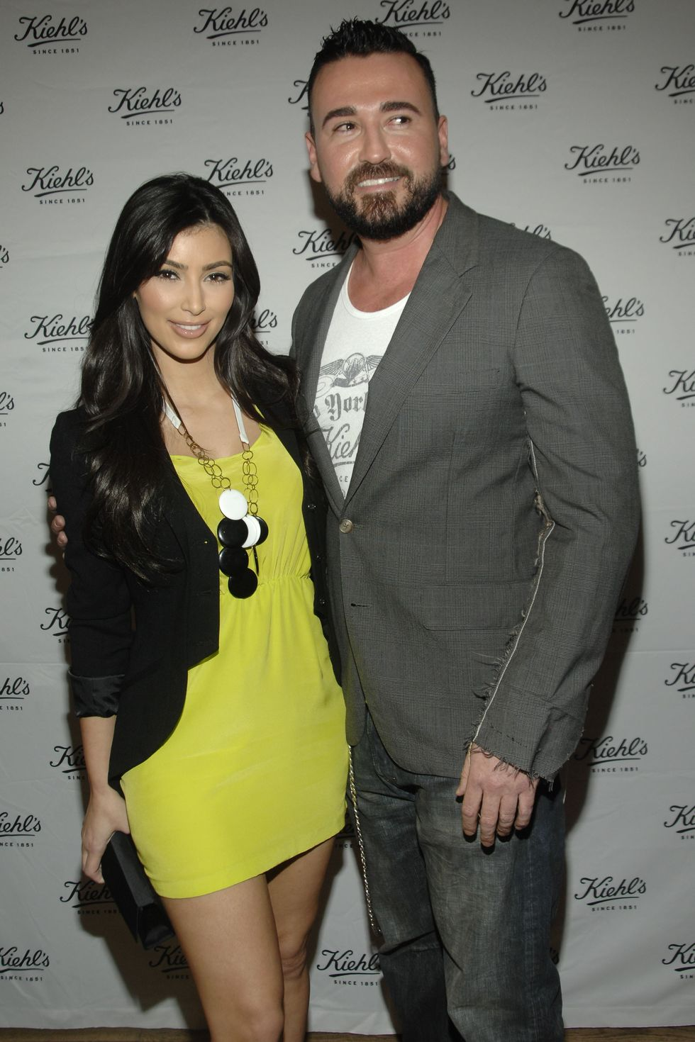 kim-kardashian-at-kiehls-flagship-store-in-new-york-01