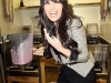 kim-kardashian-at-millions-of-milkshakes-in-los-angeles-08