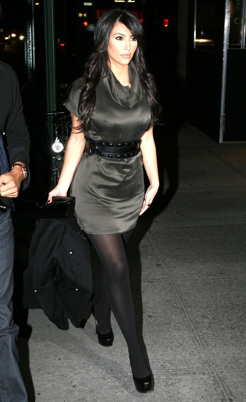 kim-kardashian-at-nobu-in-hollywood-01