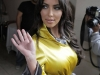 kim-kardashian-at-photoshoot-set-on-rodeo-drive-18