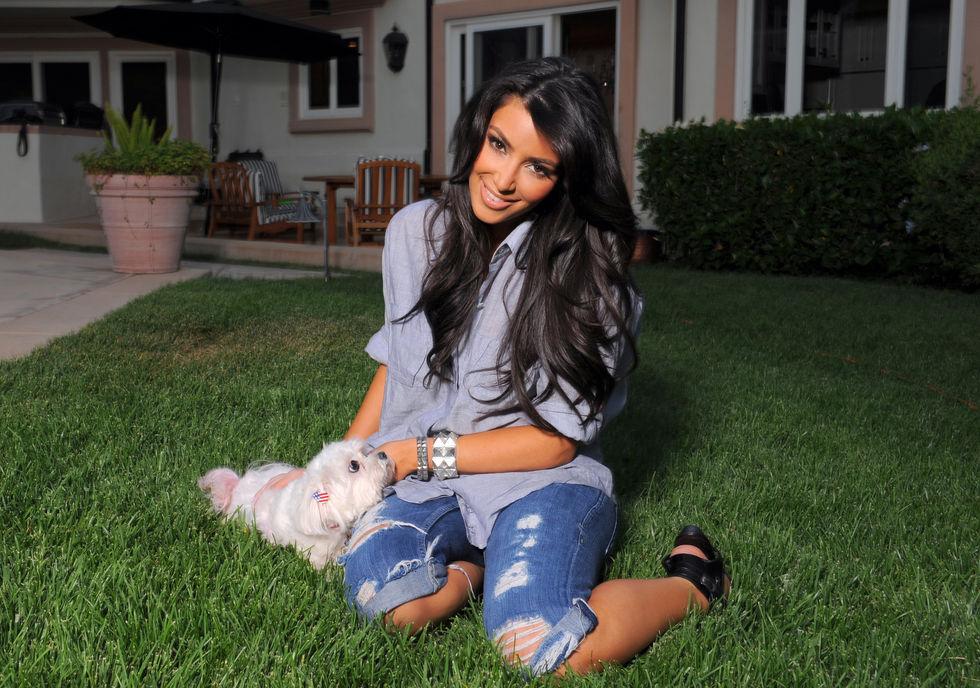 kim-kardashian-bikini-photoshoot-in-los-angeles-01