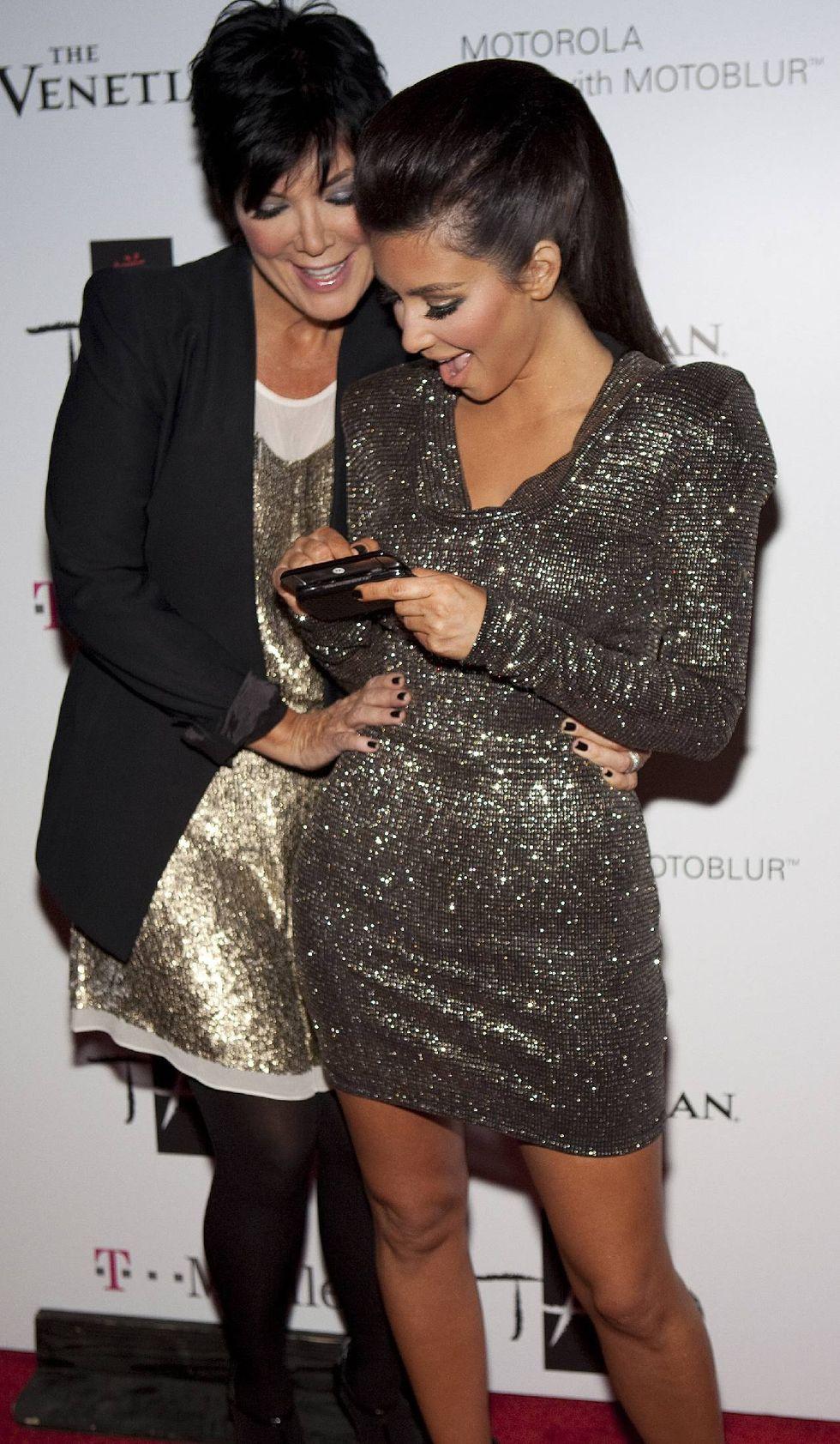 kim-kardashian-birthday-party-at-tao-nightclub-01