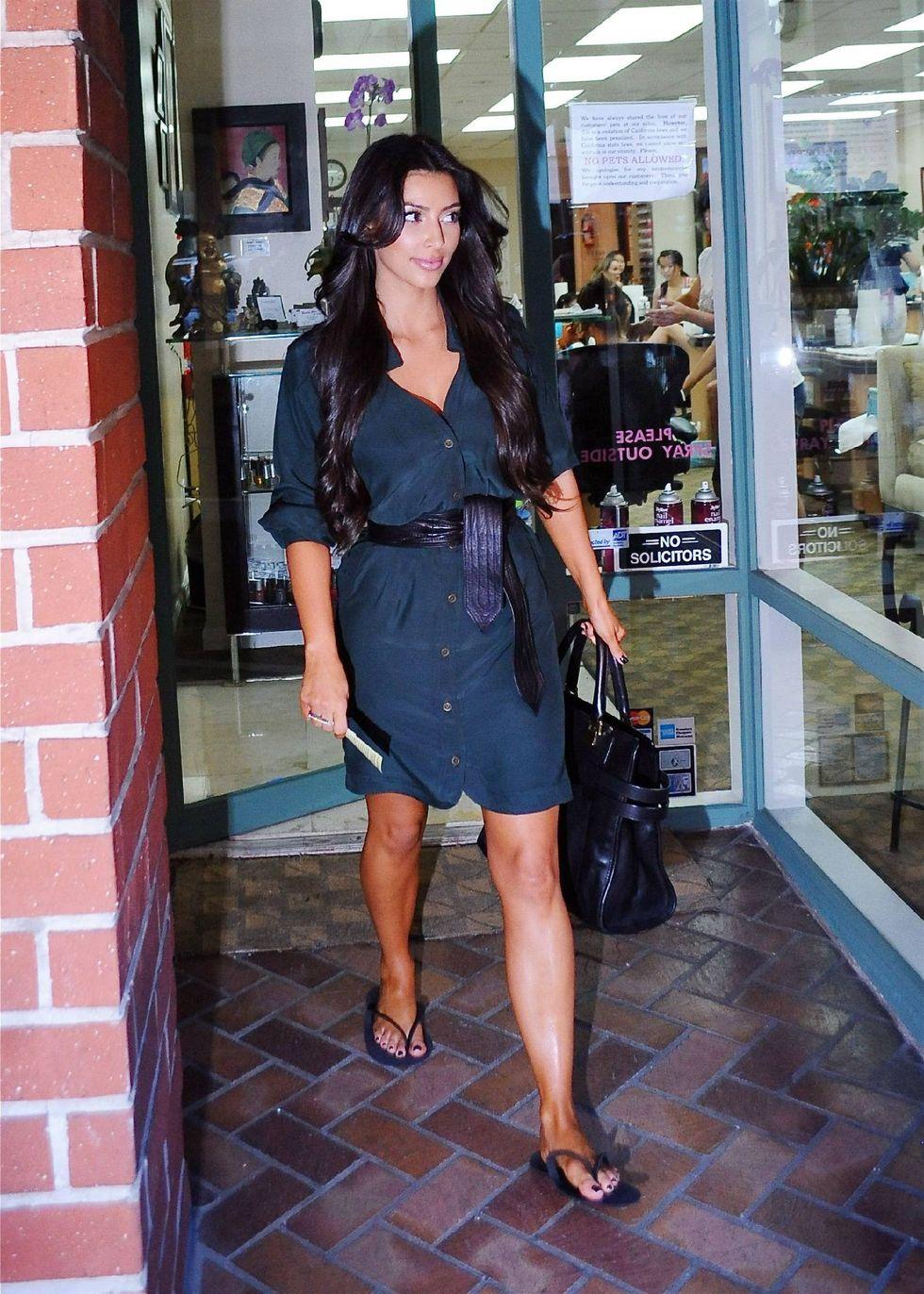 kim-kardashian-candids-in-beverly-hills-6-01