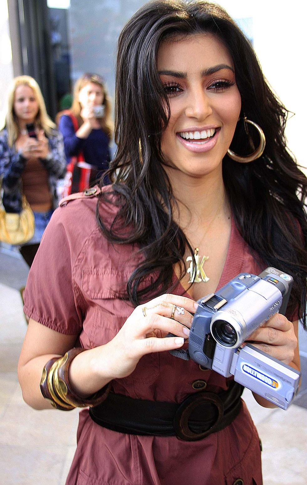 kim-kardashian-candids-on-rodeo-drive-in-beverly-hills-01