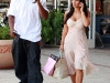 kim-kardashian-cleavage-candids-in-los-angeles-3-05